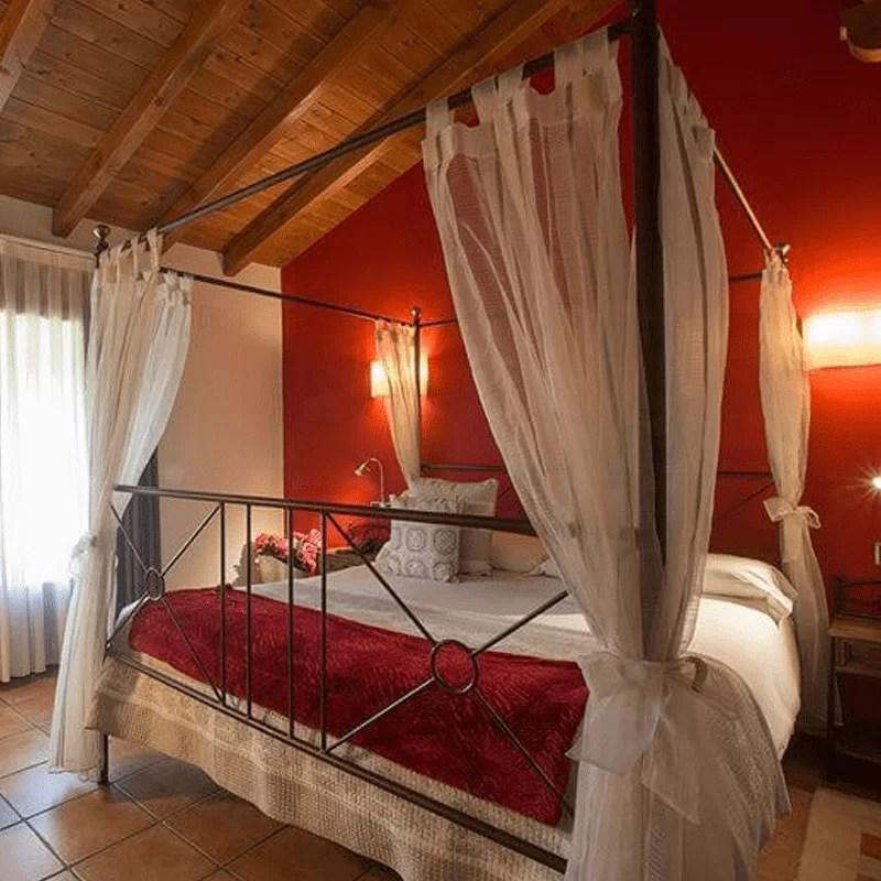 Xarma, alojamientos con encanto - Hotel-apartamento Atxurra, habitaciones