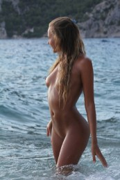 X-Art Clover The Naturist 13