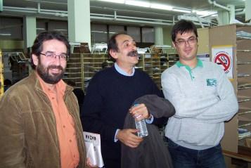 2010/11/03:Ο Β. Χατζηλάμπρου με τον υποψήφιο περιφερειακό σύμβουλο Γ. Λάμπρου (αριστερά) κατά την περιοδεία στα ΕΛΤΑ.