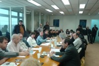 2013/03/08: Στιγμιοτυπο απο τη συσκεψη της ΕΚΚΕ Αμυνας του ΣΥΡΙΖΑ-ΕΚΜ με τους εργαζομενους στα Ελληνικα Αμυντικα Συστηματα (ΕΒΟ-ΠΥΡΚΑΛ)