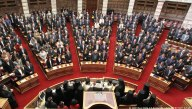 2015/02/05: Απο την ορκωμοσια με πολιτικο ορκο των βουλευτων του ΣΥΡΙΖΑ για τη νεα κοινοβουλευτικη περιοδο