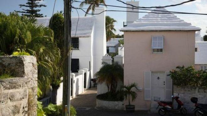 ¿Por qué en las Bermudas las casas tienen escaleras en el techo? – BBC Mundo