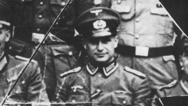 Entrevista: Klaus Barbie, la caza del sádico nazi al que EE.UU. contrató para combatir a Stalin tras la IIGM