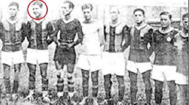 Bebel García, segundo por la izq., posa junto a sus compañeros del Deportivo