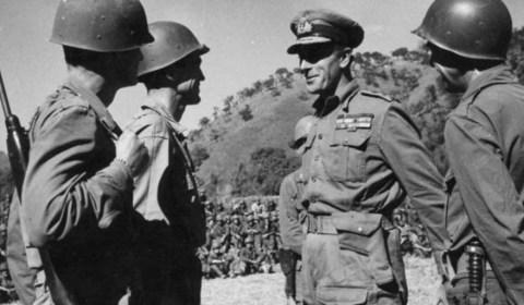 Segunda Guerra Mundial: Desvelan el pasado oculto del gran héroe inglés de la IIGM: «Era un homosexual obsesionado por los niños»