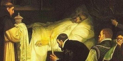 La obsesión del emperador Carlos V con la muerte: ensayó sus propios funerales dentro del ataúd