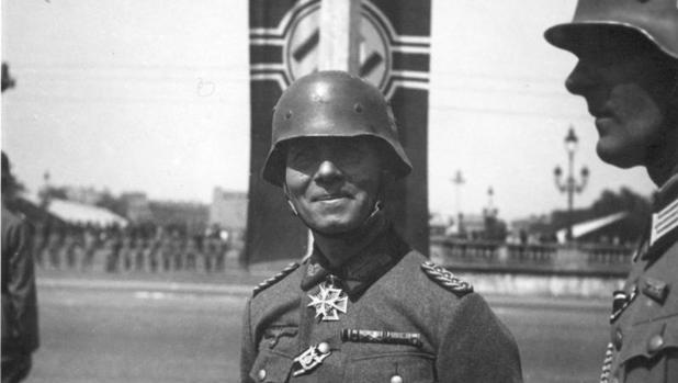 Rommel en un desfile militar en el París ocupado, en junio de 1940.