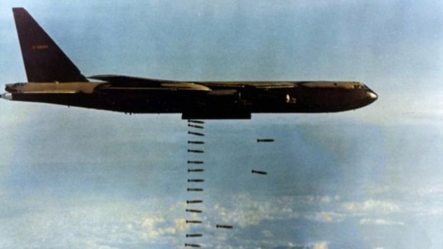 Uno de los B-52D que participaron en la operación, bombardeando Vietnam - USAF / Vídeo: Operación Linebacker II: La «Vergüenza Mundial» que provocó Nixon en Vietnam