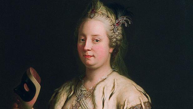 María Teresa sosteniendo una máscara (1744), por Martin van Meytens.