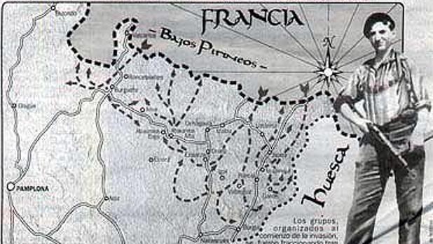 Un guerrillero de la UNE, con el mapa de la «Operación Reconquista de España» de fondo