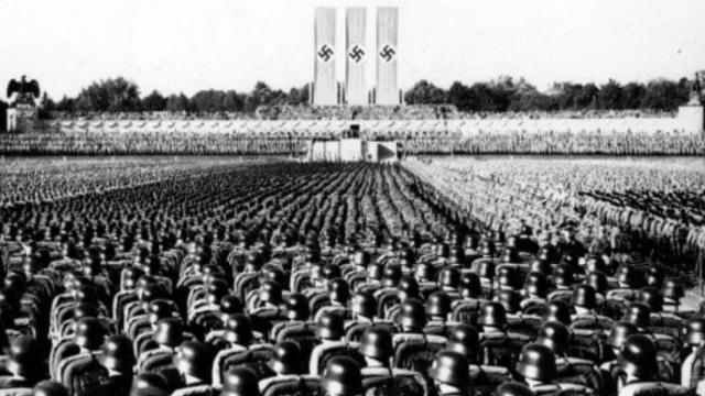 Concentración de cien mil soldados alemanes en el llamado campo Zeppelín durante el congreso del partido nazi, el 20 de septiembre de 1936 Propias