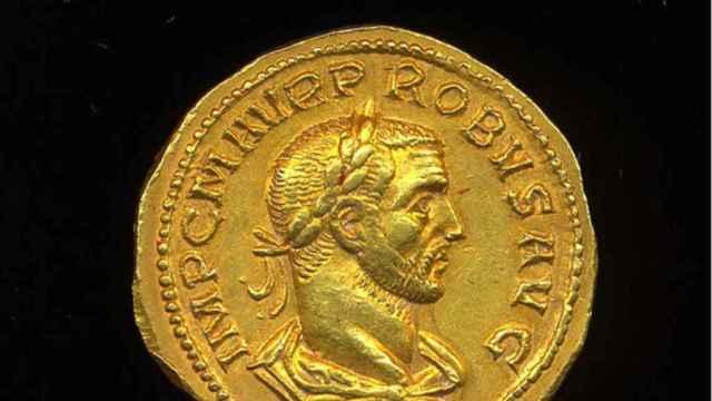 Moneda de oro que representa al emperador Probo. PAS