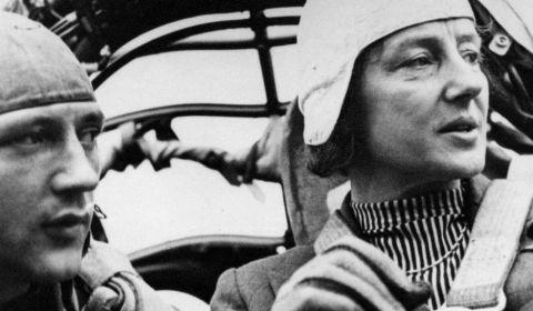 Dos aviadoras opuestas y rivales en la Alemania del III Reich | Revista de Verano | EL PAÍS