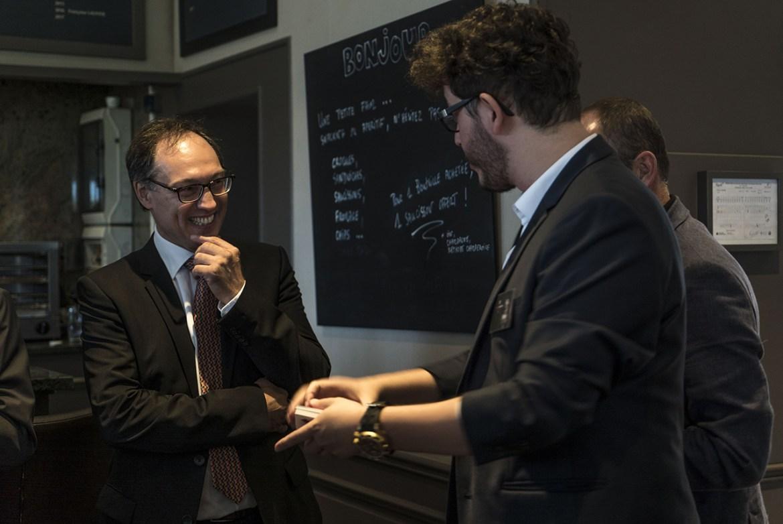 Magie personnalisée avec le président du Rotary Club de Roubaix Est - xavitch magicien