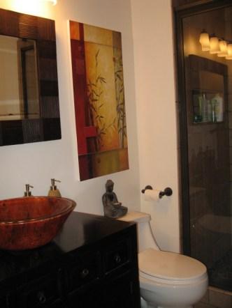 buddha-in-bathroom (1)
