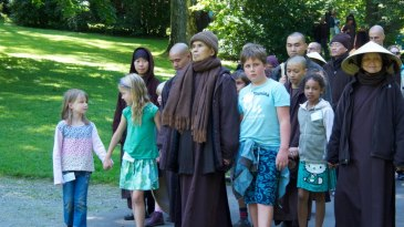 thich-nhat-hanh (1)