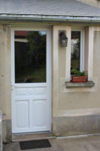 porte d'entrée et fenêtre en pvc