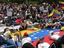 1 Min de silencio por los caidos, Puerto Ordaz 24M 2014.