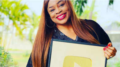 Photo of Sinach Hits 1Million Subscribers on YouTube