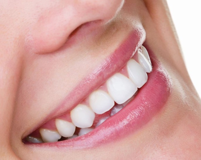 Health Tips: Foods That Help With Teeth Whitening