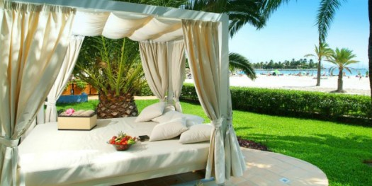 Vanity Hotels Bali Bed with Xclusivity