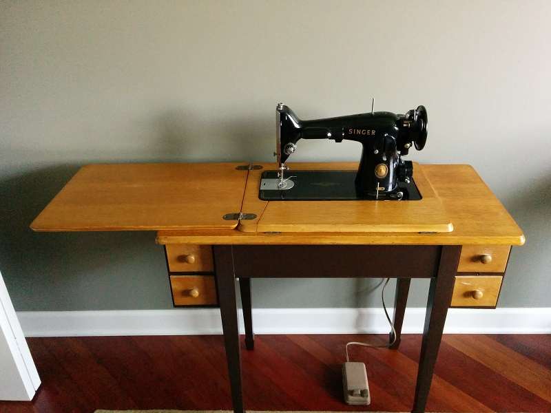 Why A Singer 40 Will Always Be A Favorite SewingforLife Extraordinary Singer Sewing Machine Model 201 Value