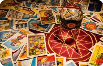Bói bài tarot biết vận may trong năm 2018 – Bói bài Tarot năm 2018