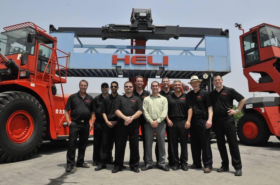 Xe nâng hàng Heli làm việc tại tỉnh Long An