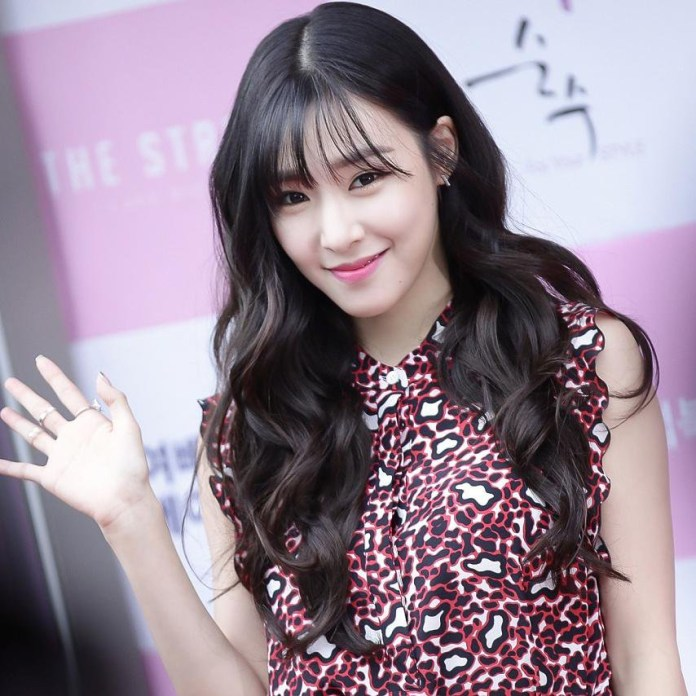 Pic 5 - Full profile of Tiffany (SNSD) (Part 2)