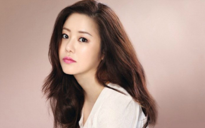 Pic 2 - Do you know the story of Go Hyun Jung?