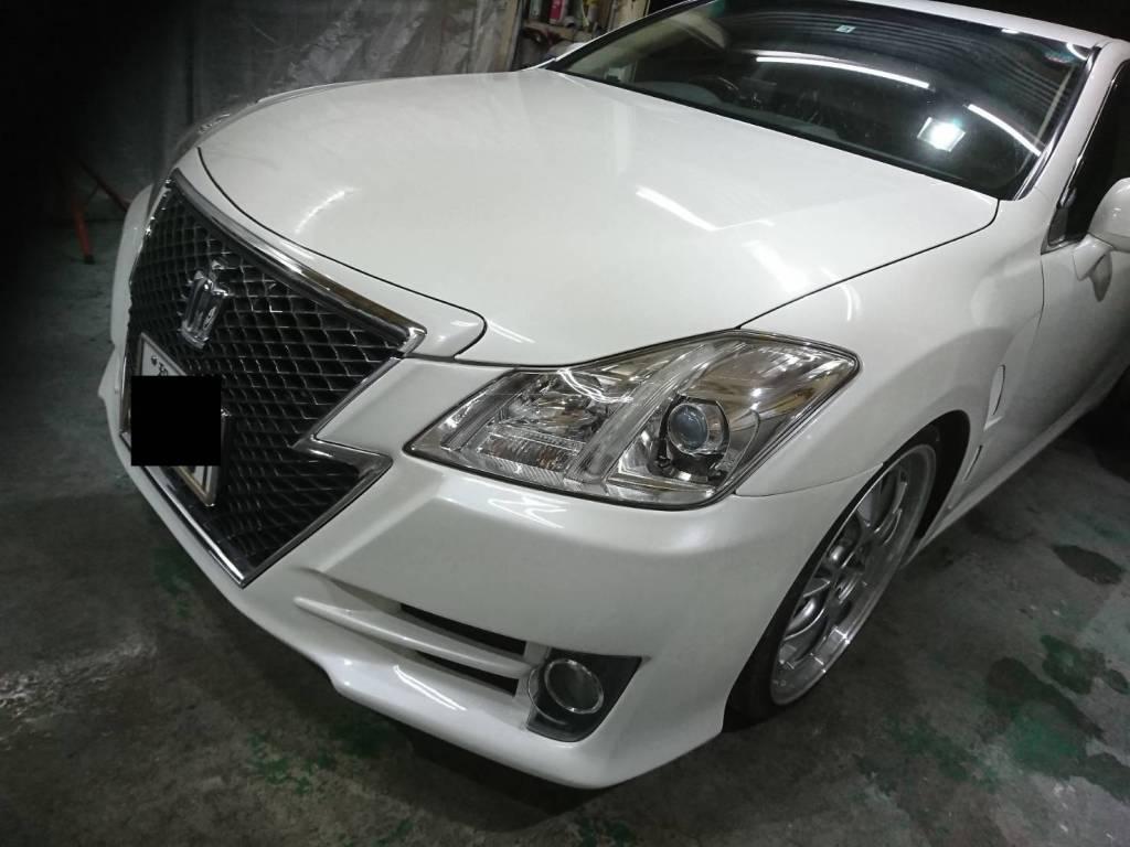 200系クラウン/アスリート・ロイヤルのカスタムは大阪のカスタムショップXEROへ!社外フェンダー社外バンパーの取り付け塗装