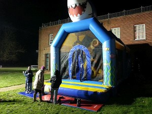Castillo-inflable-XP-Camp-2016-UK-300x225