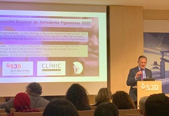 El Dr. Santiago Vidal, dermatólogo en el Hospital Central de la Defensa Gómez Ulla de Madrid
