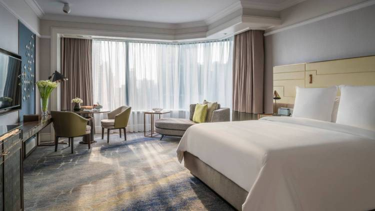 Room at the Four Seasons Singapore