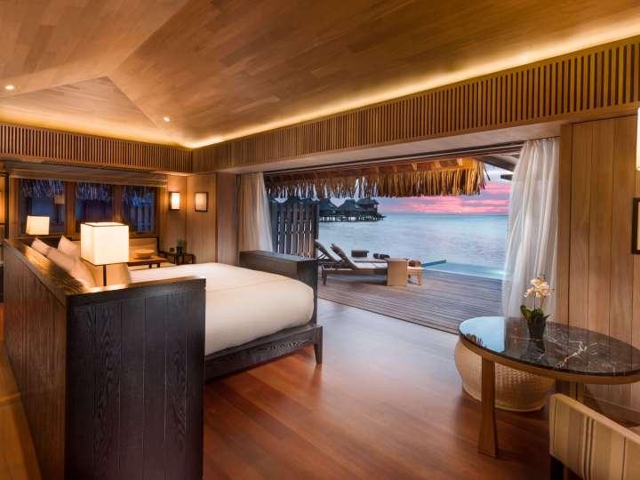 Conrad_BoraBoraNui_Over_Water_Villa_with_Pool_Room