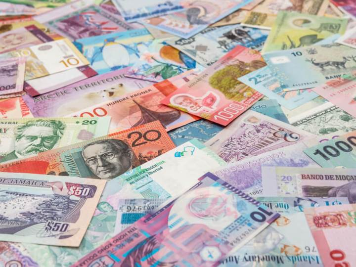 Multiple currency notes