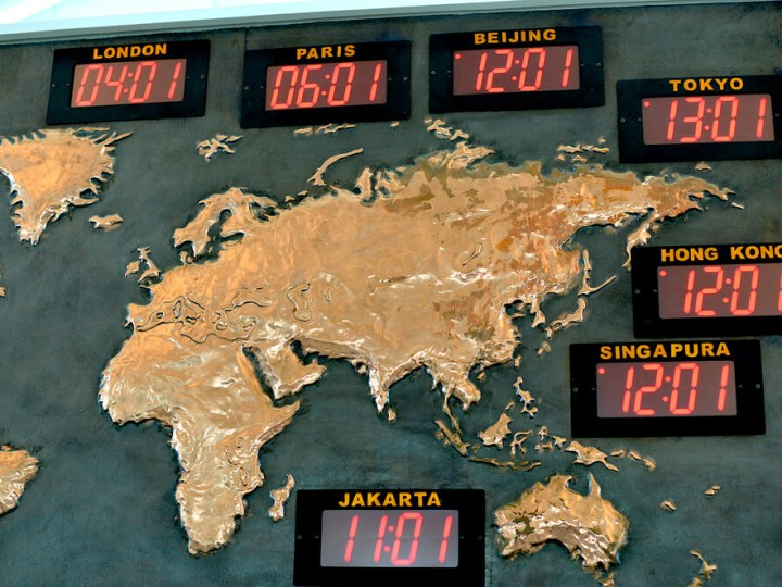 International clocks and timezones