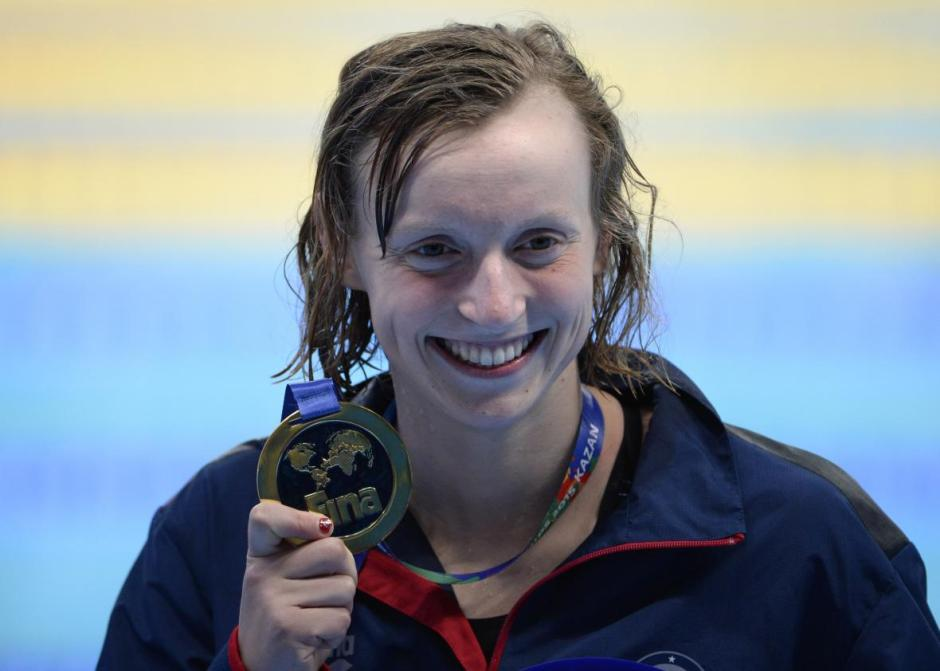 482918910-katie-ledecky-gold-poses-during-the-podium-ceremony-of.jpg.CROP.promo-xlarge2