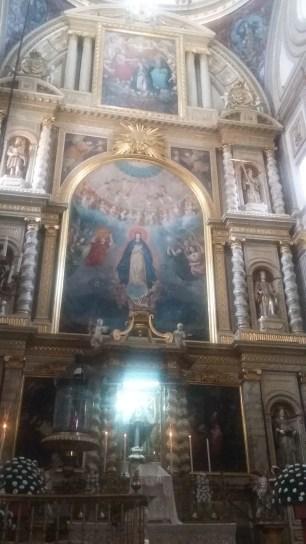 Las pinturas fueron hechas en diferentes etapas de su construcción, pero algunas datan de hace más de 100 ó 50 años