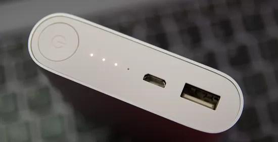 Xiaomi bateria externă LED-uri la laptop