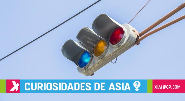El misterio de las luces de tráfico azules en Japón