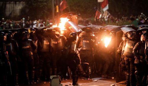 Los estudiantes indonesios toman las calles