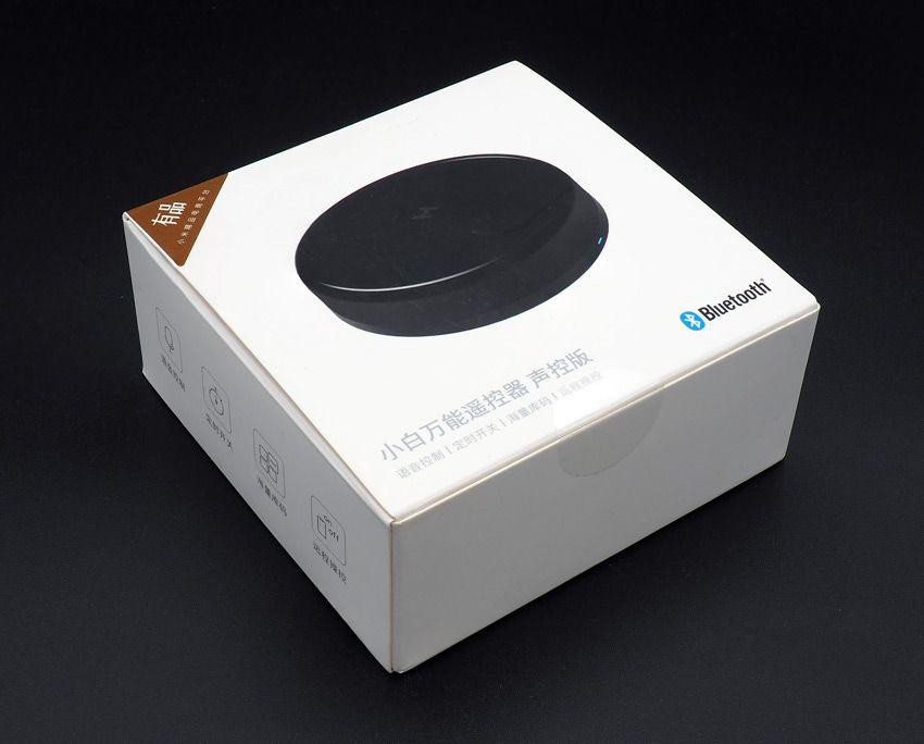 Упаковка универсального пульта Xiaomi