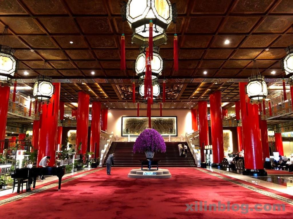 宮殿のようなザ・グランドホテル台北のロビー