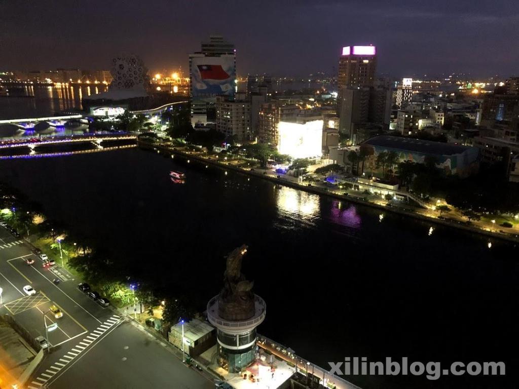 アンバサダーホテル高雄のハーバービューのお部屋からの夜景