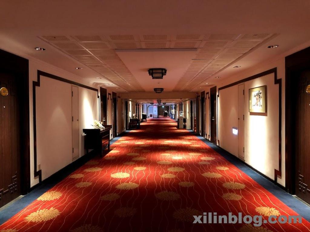 グランドホテル高雄の廊下02