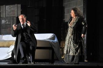 Albert Dohmen (Wanderer) i Ewa Podles (Erda) al 3er acte de Siegfried, Producció Robert Carsen Fotografia ® A Bofill
