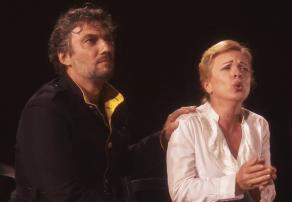 Jonas Kaufmann (Don Jose) Ina Mula (Micaela) Orange 2015