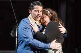 Tyler Nelson (Almaviva) i Tara Erraught (Rosina) Fotografies gentilesa de la pàgina web de Wide Open Opera