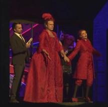 Pierre Doyen (Lescaut), Bernard Richter (Le Chevalier des Grieux) i Patricia Petibon (Manon) Producció de Olivier Py